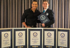 GUINNESS WORLD RECORDS™ HONRA A VICTOR MANUELLE